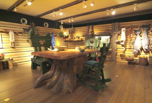 ジブリの森企画展示室2.jpg